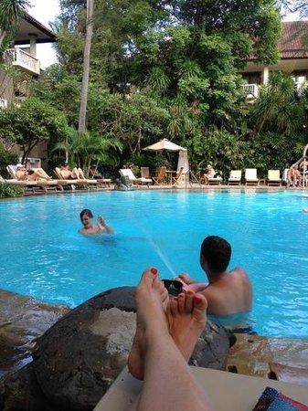 Hotel Kumala Pantai: pool area