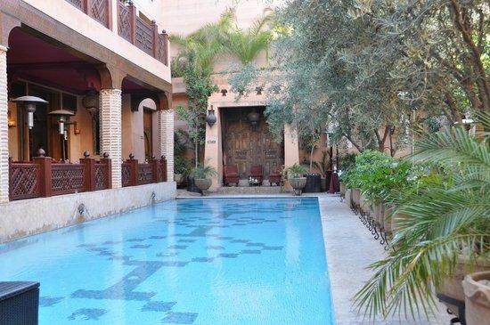 La Maison Arabe: Piscina