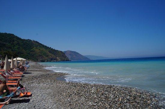 Hotel Avalon Sikanì: La plage privee de l'hôtel