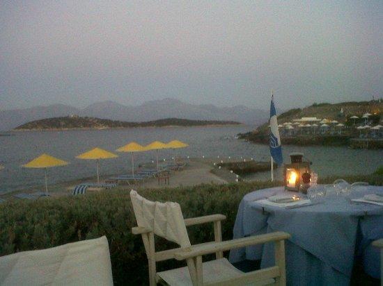 St. Nicolas Bay Resort Hotel & Villas: Dining at dusk