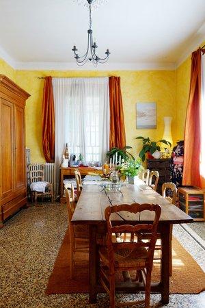La Violette: Dinning Room