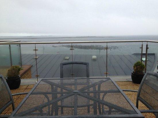 Jameson Court Apartments: Balcony
