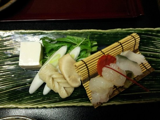Togetsutei : Sashimi & abalone for room guests from 红云客室 (luxurious ryokan)