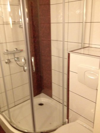 Hotel Grille: Ny renoveret badeværrelse