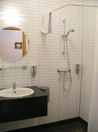 Guesthouse Steig: Bathroom/Shower