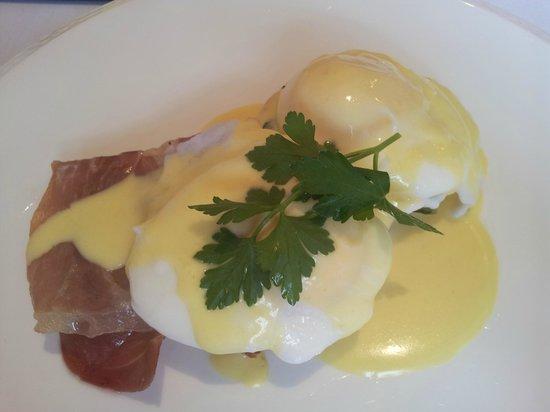 MacNean House & Restaurant: EGGS KINDA BENEDICT