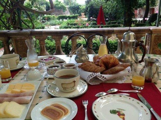 Les Buis: Desayuno