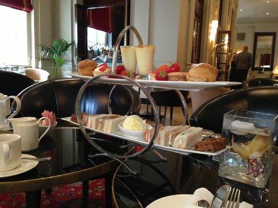 The Bloomsbury: De Afternoon tea!