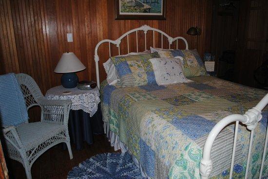 Xanadu Island Bed & Breakfast and Resort : Blue room