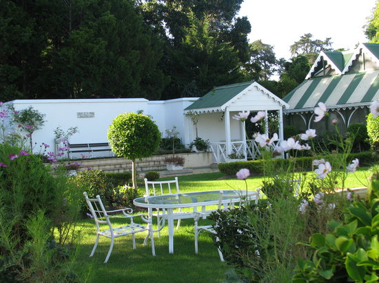 The St. James of Knysna: Some of the garden at St. James, Knysna