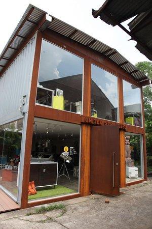 Redtory : a shop