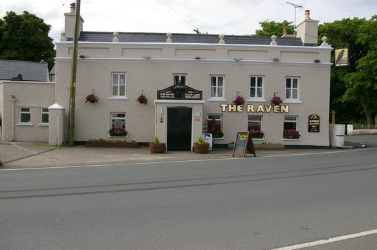 The Raven Pub: Flowers in Bloom, The Raven