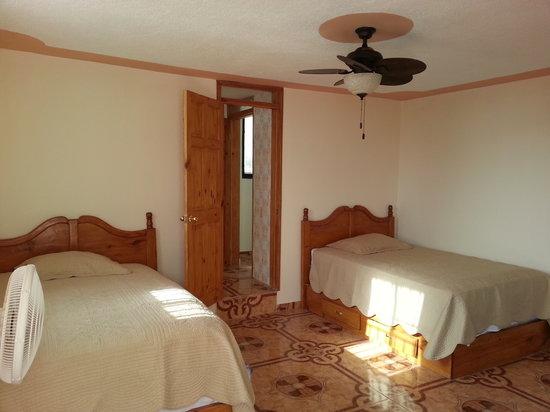 Estinfil GuestHouses: Root Top Cabanas Suite