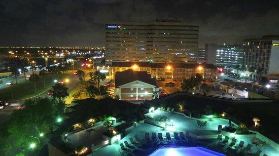 Holiday Inn Corpus Christi Downtown Marina: pool night view