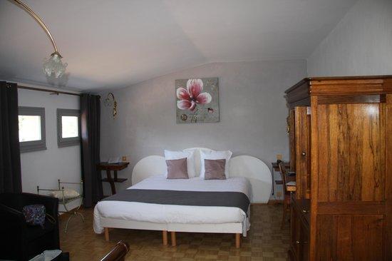 Hotel Restaurant Fabian des Baux : La chambre