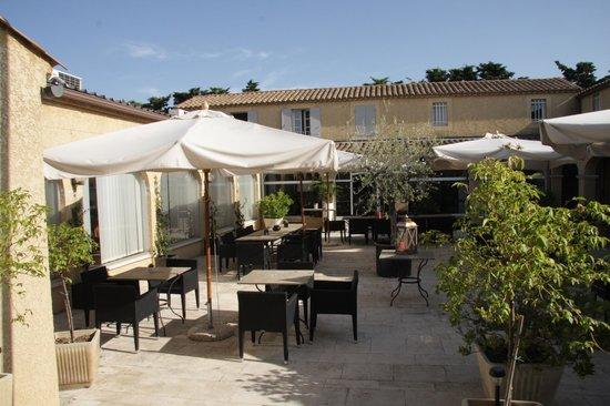 Hotel Restaurant Fabian des Baux: Le patio
