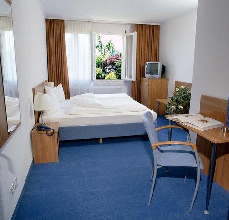 Hotel-Restaurant Bahnhof Felsenau: 5 Zimmer für eine oder zwei Personen weitere mit Etagedusche