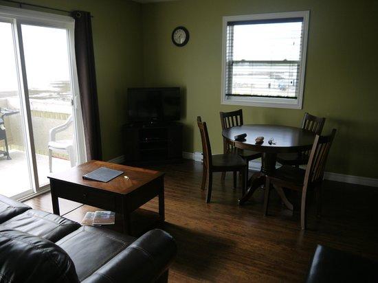 Gros Morne Suites: Wohnbereich