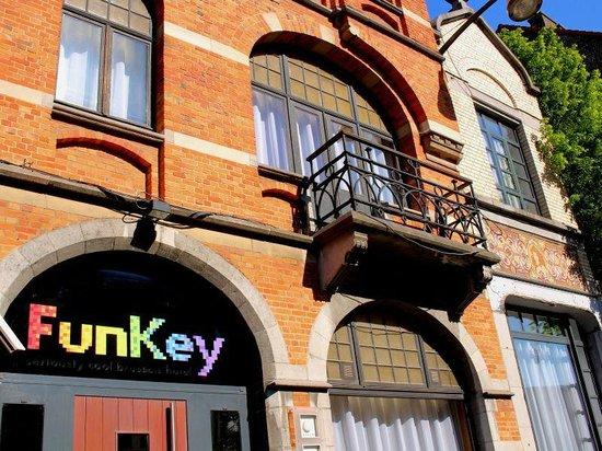 FunKey Hotel : The entrance to the FunKey, welcome!!