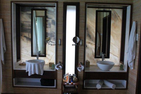 Club Med Kani : Bathroom