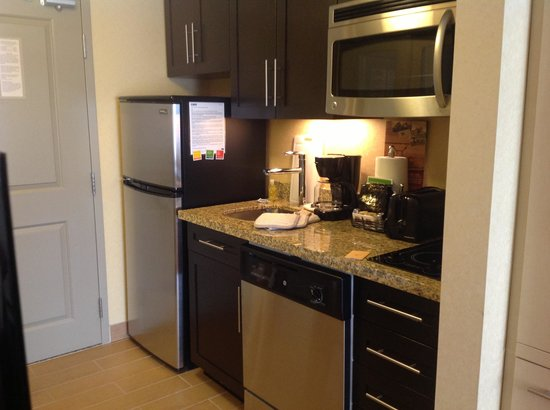 TownePlace Suites Sudbury: Kitchen Area
