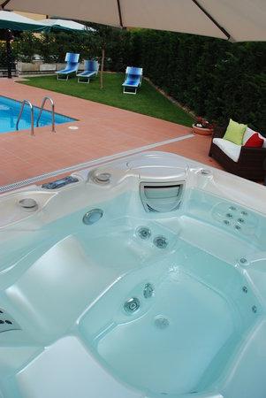 Hotel La Pergola: la nuova vasca idromassaggio
