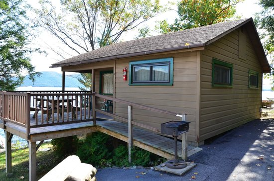"Candlelight Cottages LLC on Lake George: Cabin ""A"""