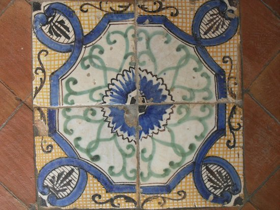Piastrelle di caltagirone prezzi awesome mattonella decorata a mano stile caltagirone with - Piastrelle siciliane antiche ...