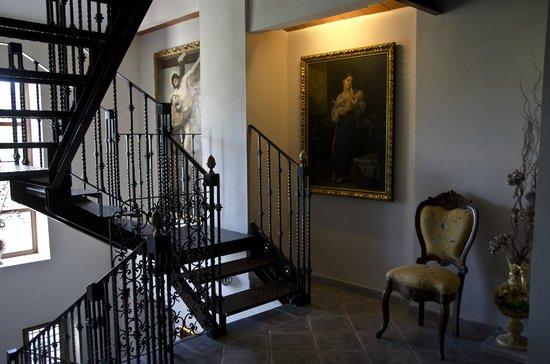 Hotel Rural Masia La Mota: Escalera que lleva a la Habitación Grand Suite