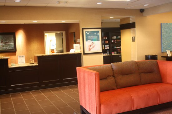 Homewood Suites by Hilton Fort Myers Airport / FGCU: Lobby
