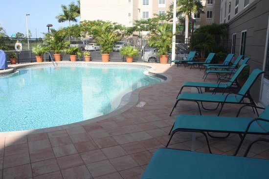 Homewood Suites by Hilton Fort Myers Airport / FGCU: Pool