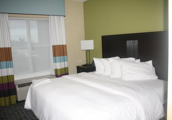 Homewood Suites by Hilton Fort Myers Airport / FGCU: King Bed Room