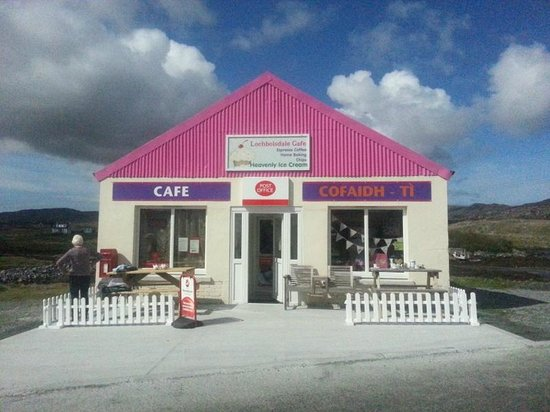 Uist Coffee Shop: Newly refurbished front entrance