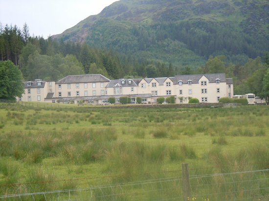 Loch Achray Hotel: view of hotel