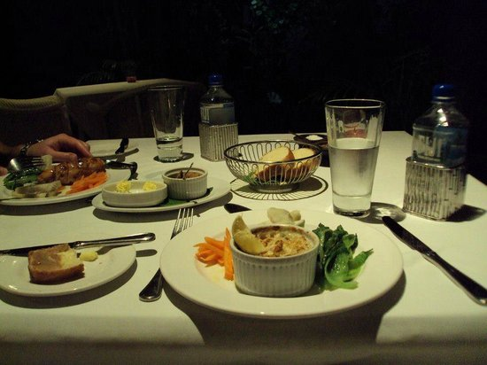 The Fiji Orchid : 3-course dinner: entree (crab pot)
