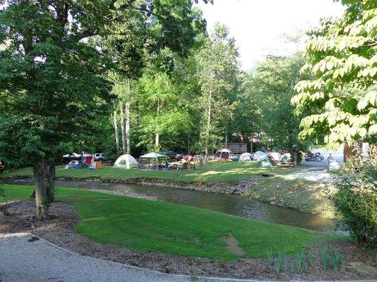 Iron Horse Motorcycle Lodge : Camping