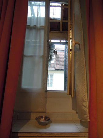 Hotel Le Chambellan: 部屋の窓から