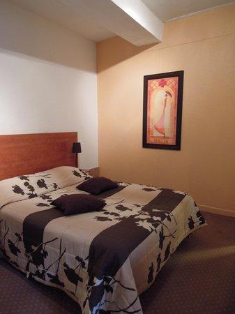 Hotel Le Chambellan: ベッド