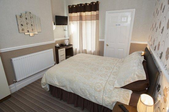 Aristocrat Guest House: Dopuble En-suite bedroom