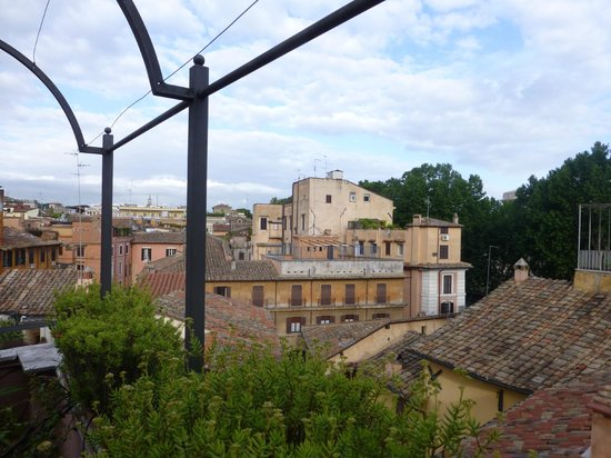Hotel Due Torri: View over rooftops toward north