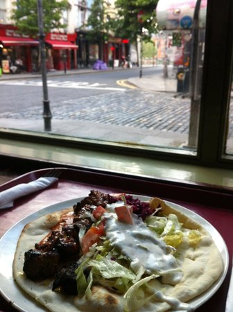 Zaytoon Restaurants: mangiare con vista su temple bar