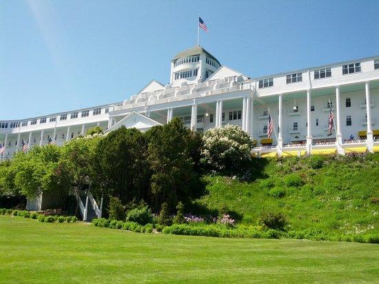 Grand Hotel: Impressive exterior
