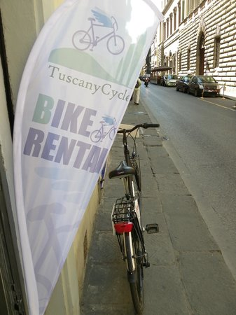 Tuscany Cycle: our flag/la nostra bandiera