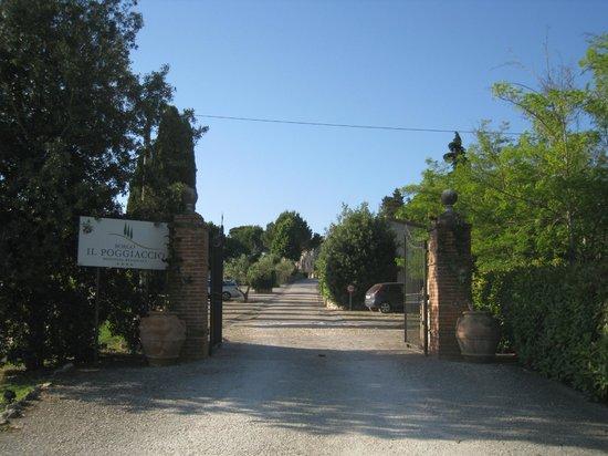 Borgo Il Poggiaccio: Entrance Borgo
