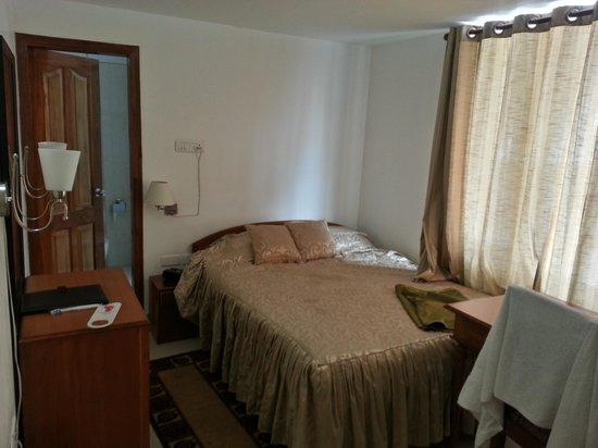 Hotel Lilawati Grand: double bedroom pic 2