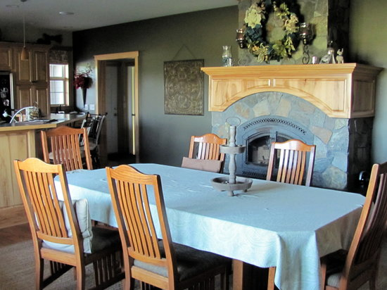 Blackberry Trails B&B : Dining room