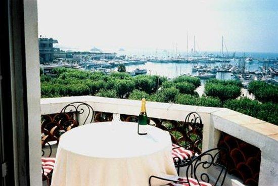 Festival Residence Apartments: Terrasse