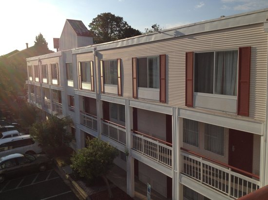 Econo Lodge Inn & Suites Charlotte Airport: Hotel 4 Floor