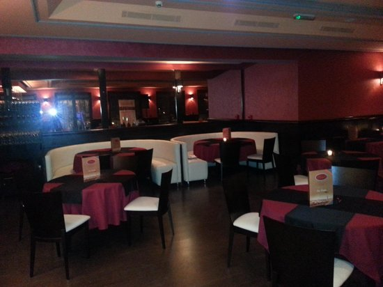 Bistrot Art & Le Wine Bar: la salle