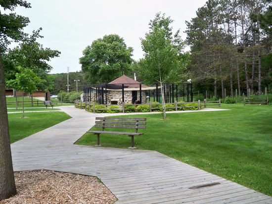 Oxbow Park and Zollman Zoo